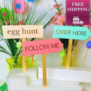Set of three Wooden Easter Hunt Yard Arrow Signs